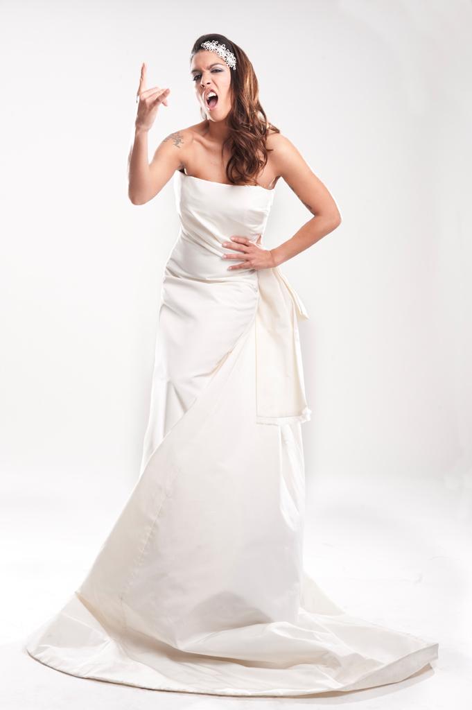 Lorena Castell se viste de novia. Fotografía Sergio Frías