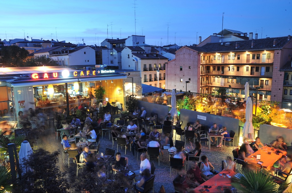 Las mejores terrazas para disfutar de las vistas de madrid for Uned madrid escuelas pias